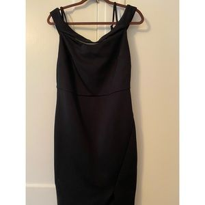 Off the Shoulder Black Guess Formal Dress